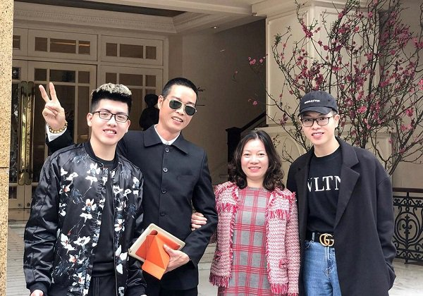 duc phuc's family photo