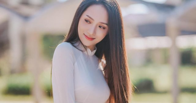 https://www.vpopwire.com/wp-content/uploads/2019/05/huong-giang-idol-vpop-singer-640x337.jpg