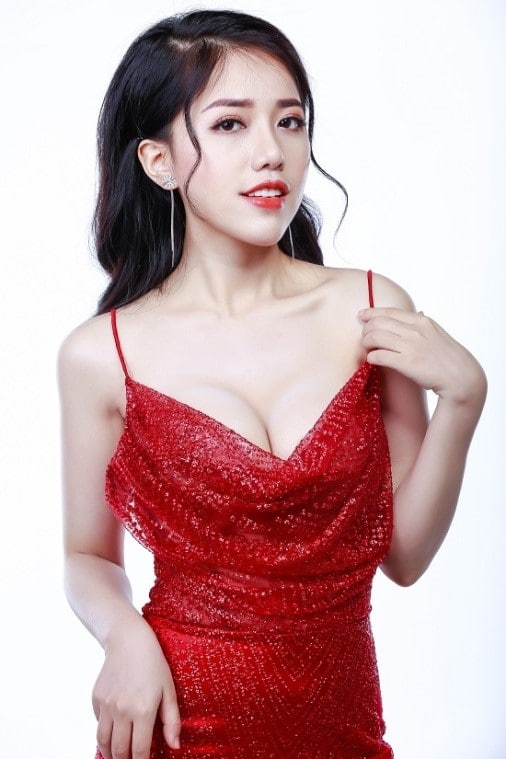 phung khanh linh beautiful red dress