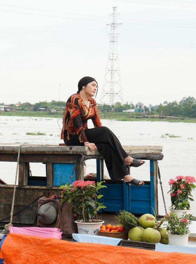 vo dang khoa as a mekong delta girl