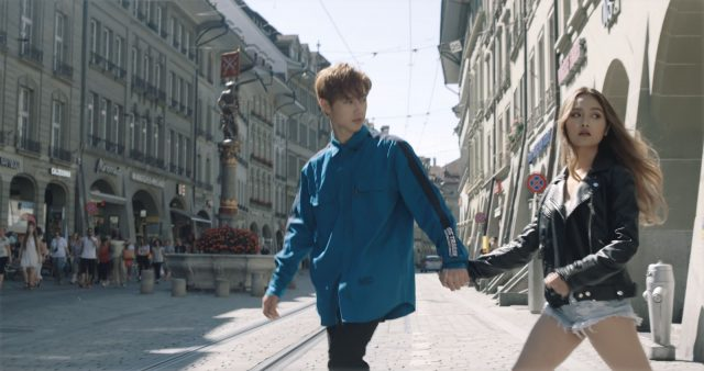 jsol holding hands with ex