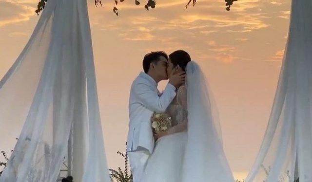 dong nhi ong cao thang kissing