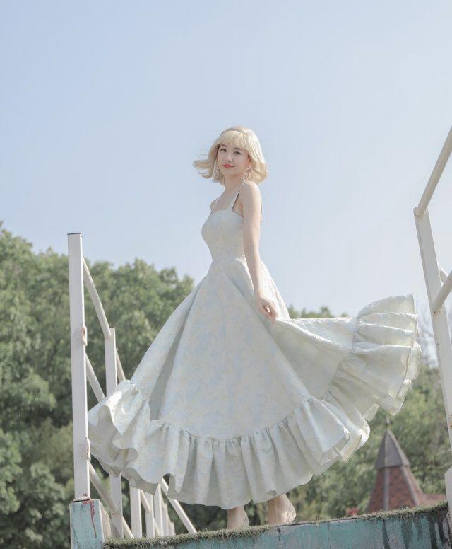 hari won gorgeous dress