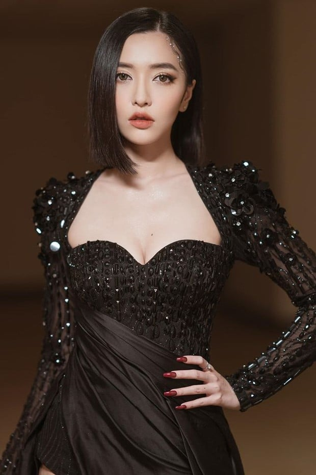 bich phuong black dress
