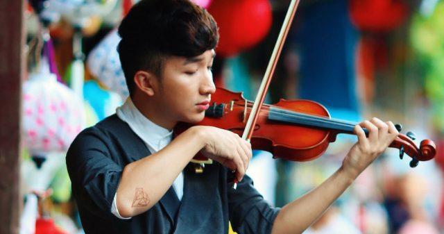https://www.vpopwire.com/wp-content/uploads/2020/01/hoang-rob-violinist-vietnam-640x337.jpg