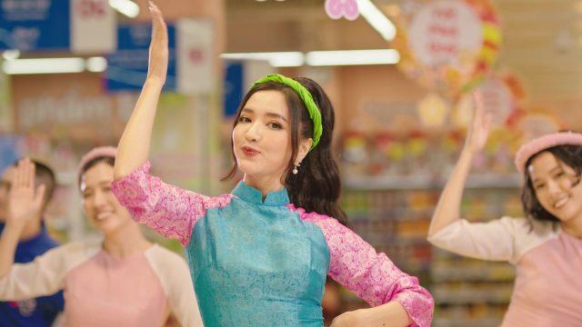 bich phuong em chao tet vietnam tet holiday