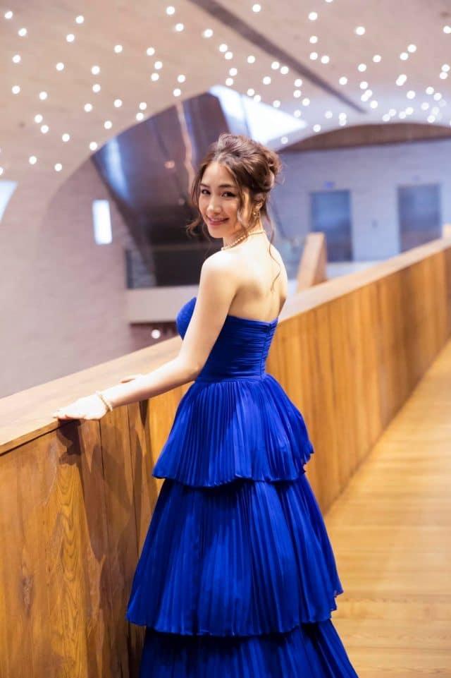 hoa minzy vpop idol blue dress