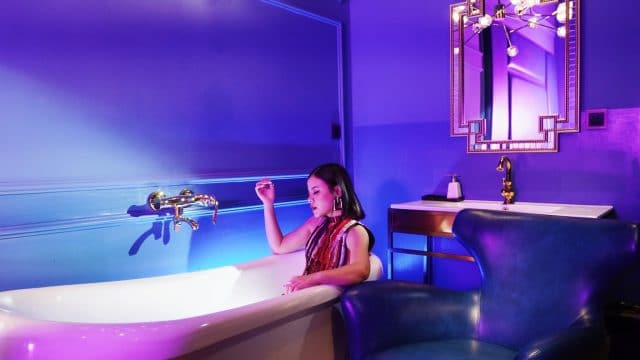 tia in bathtub vpop mv