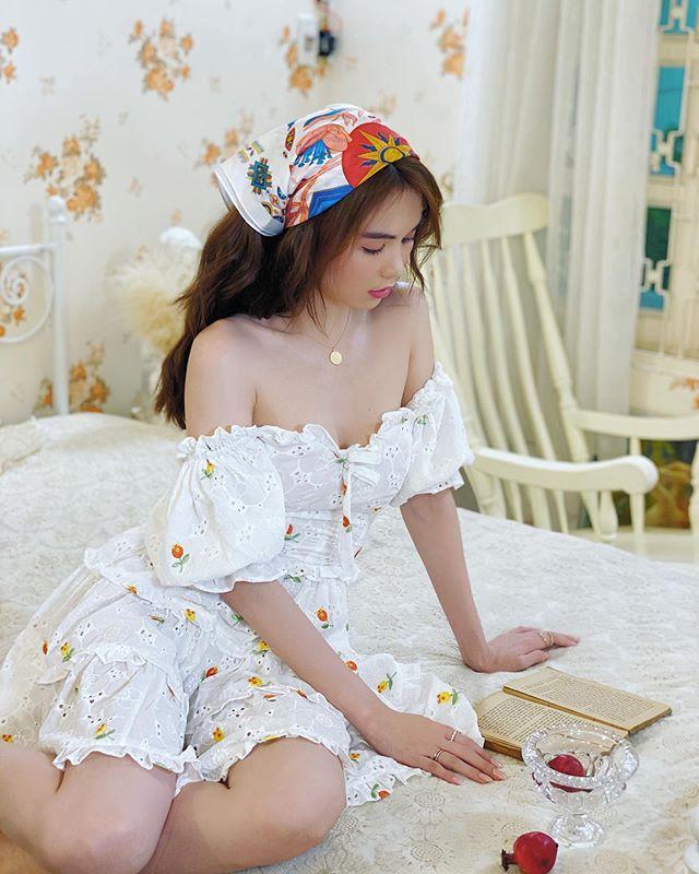 ngoc trinh fashion idol scarf hairband
