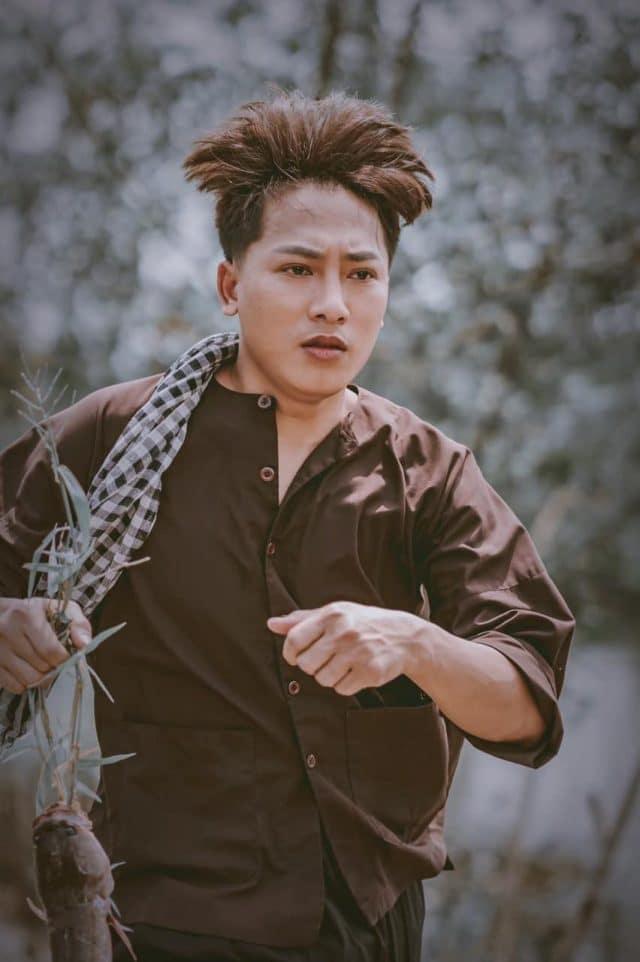 ao cu tinh moi chau khai phong vietnam music