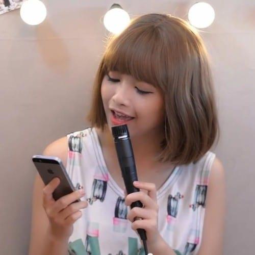 mo naive vietnamese singer